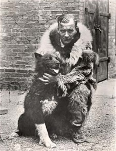 Gunnar Kaasen and Balto became media celebrities, and a statue of Balto was erected in Central Park in New York City in 1925, where it has become one of the most popular tourist attractions.