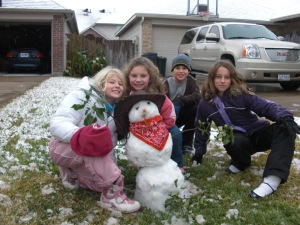 In the coldest winter ever, I taught the neighborhood kids how to make a snow cowboy! Photo: Heidi Nesttun-Sunde