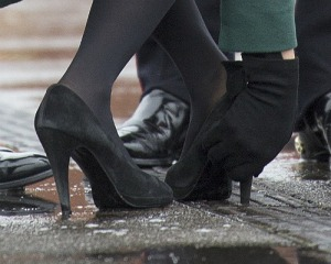 Duchess Kate's heel stuck. Photo credit bittenandbound.com