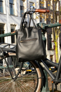 Leather black hand bag VankDesign