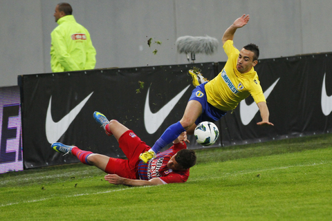 A good hard tackle © Stef22 Dreamstime.com