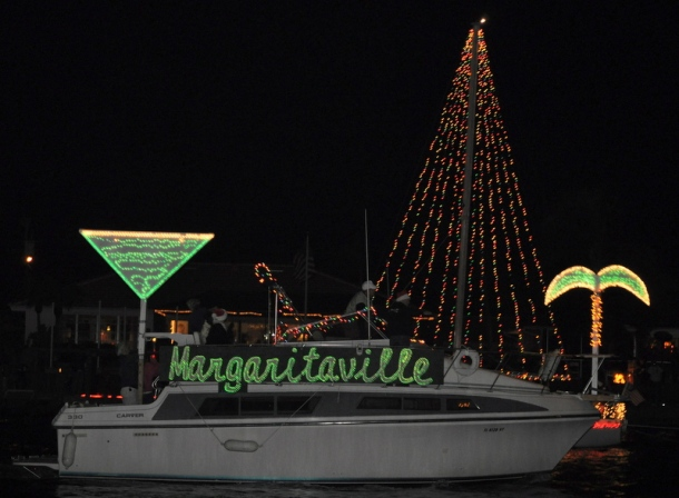 In Cape Coral, Florida we met a new kind of Christmas celebration: the big boat parade