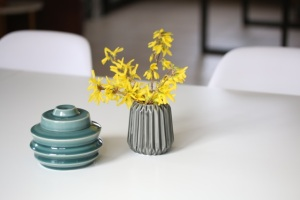 table_2vases